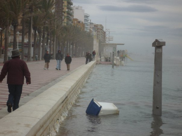 playa zapillo 2 El zapillo de Almería inundado.