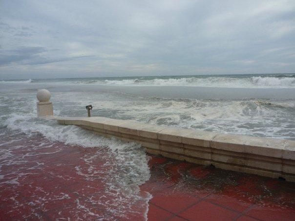 playa zapillo 3 El zapillo de Almería inundado.