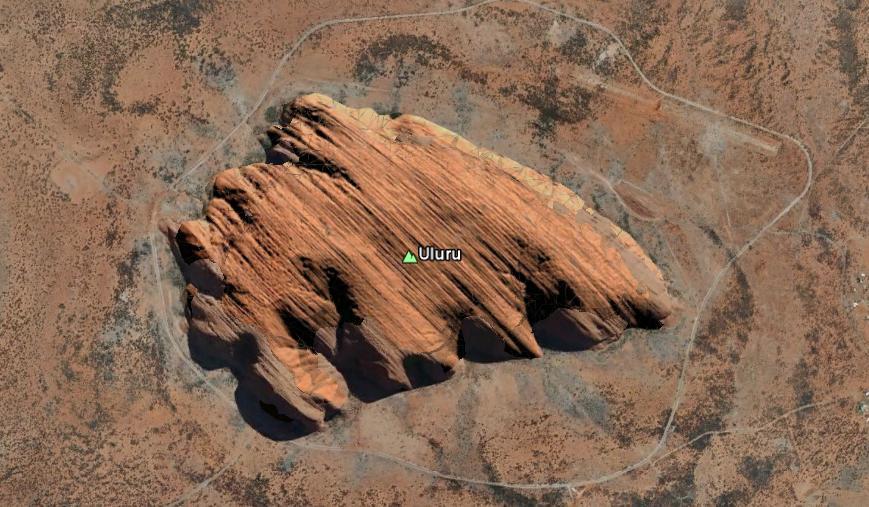 uluru En las antípodas con Bill Bryson y Google Earth.